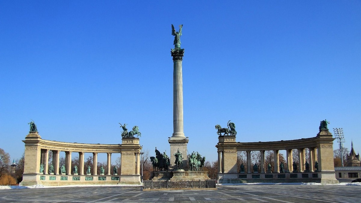 2 days in Budapest itinerary - Heroes Square