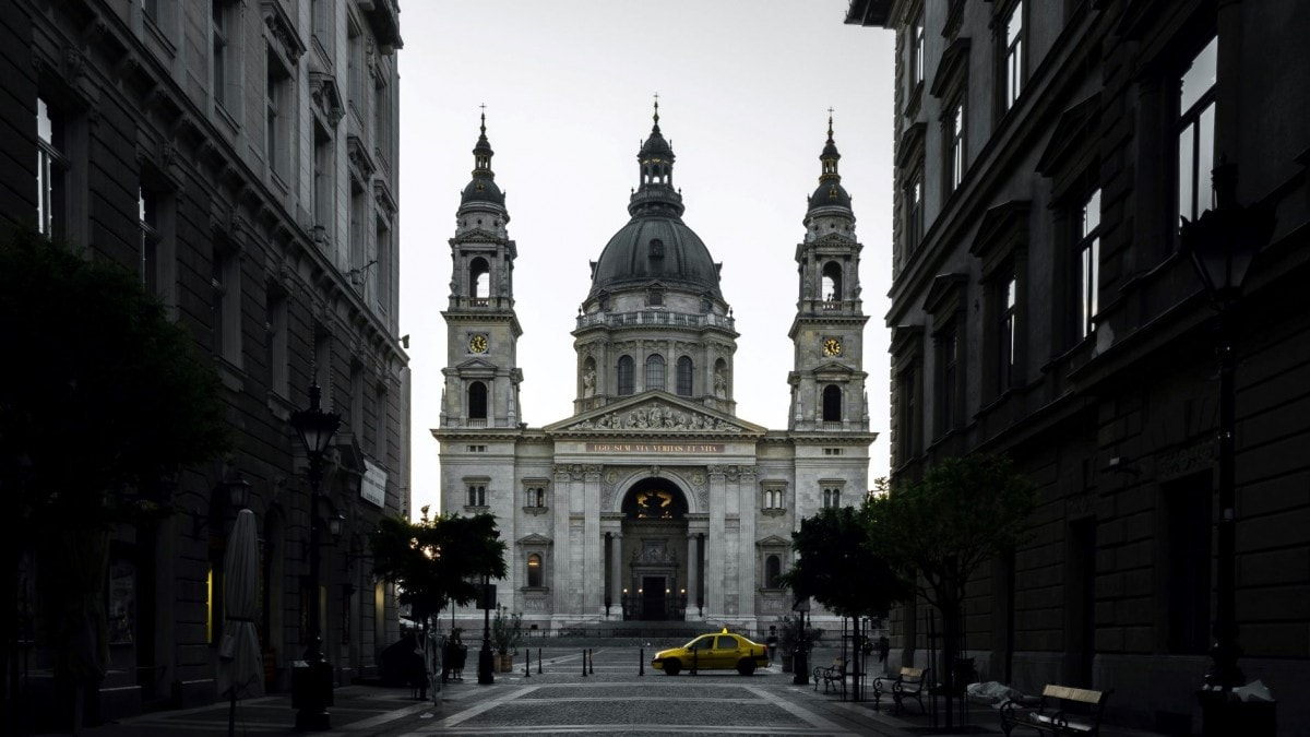 2 days in Budapest itinerary - St Stephens Basilica