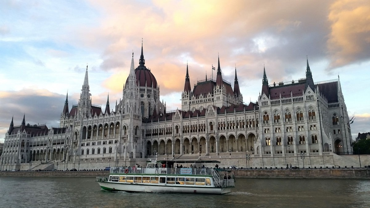 2 days in Budapest itinerary - river cruise