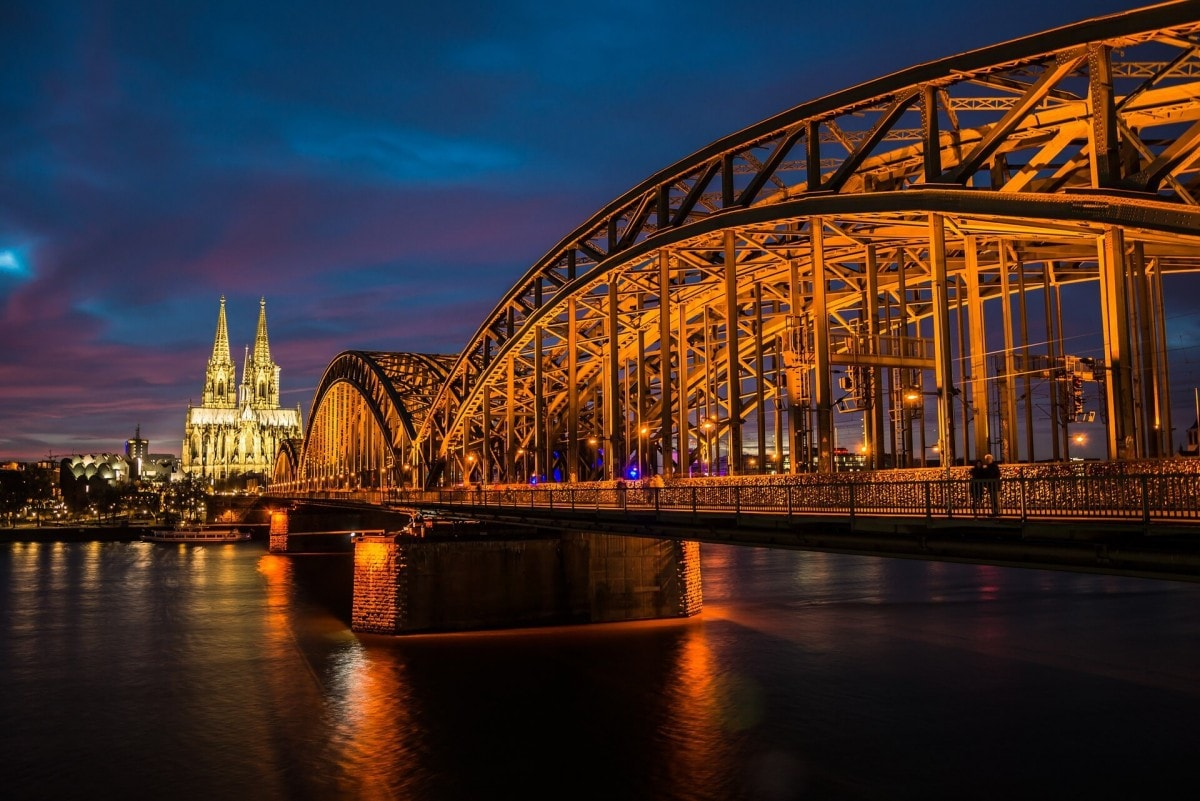 one day in Cologne - scenic shot