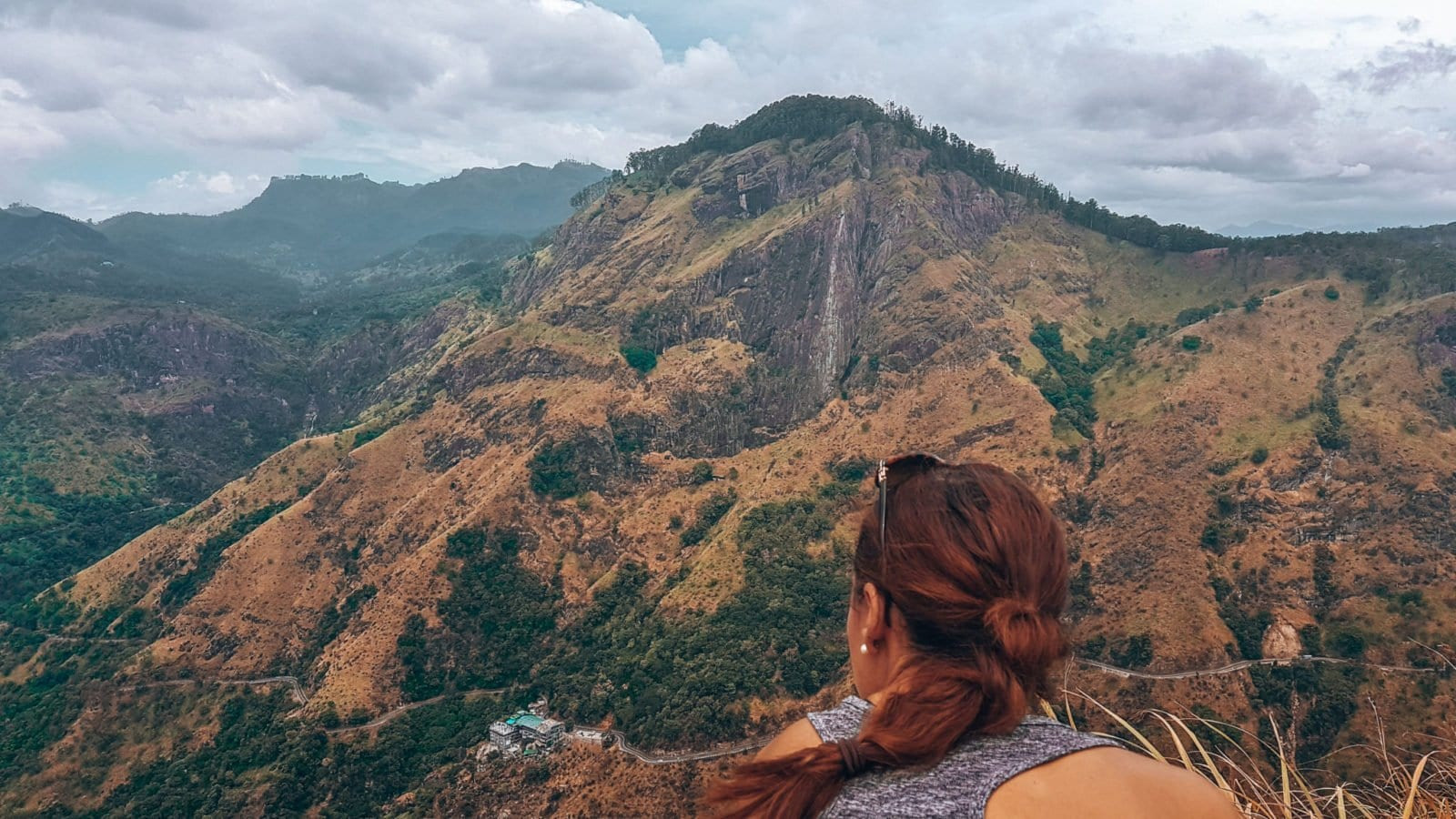 A sort hike from 98 acres hotel, looking out over Little Adams Peak