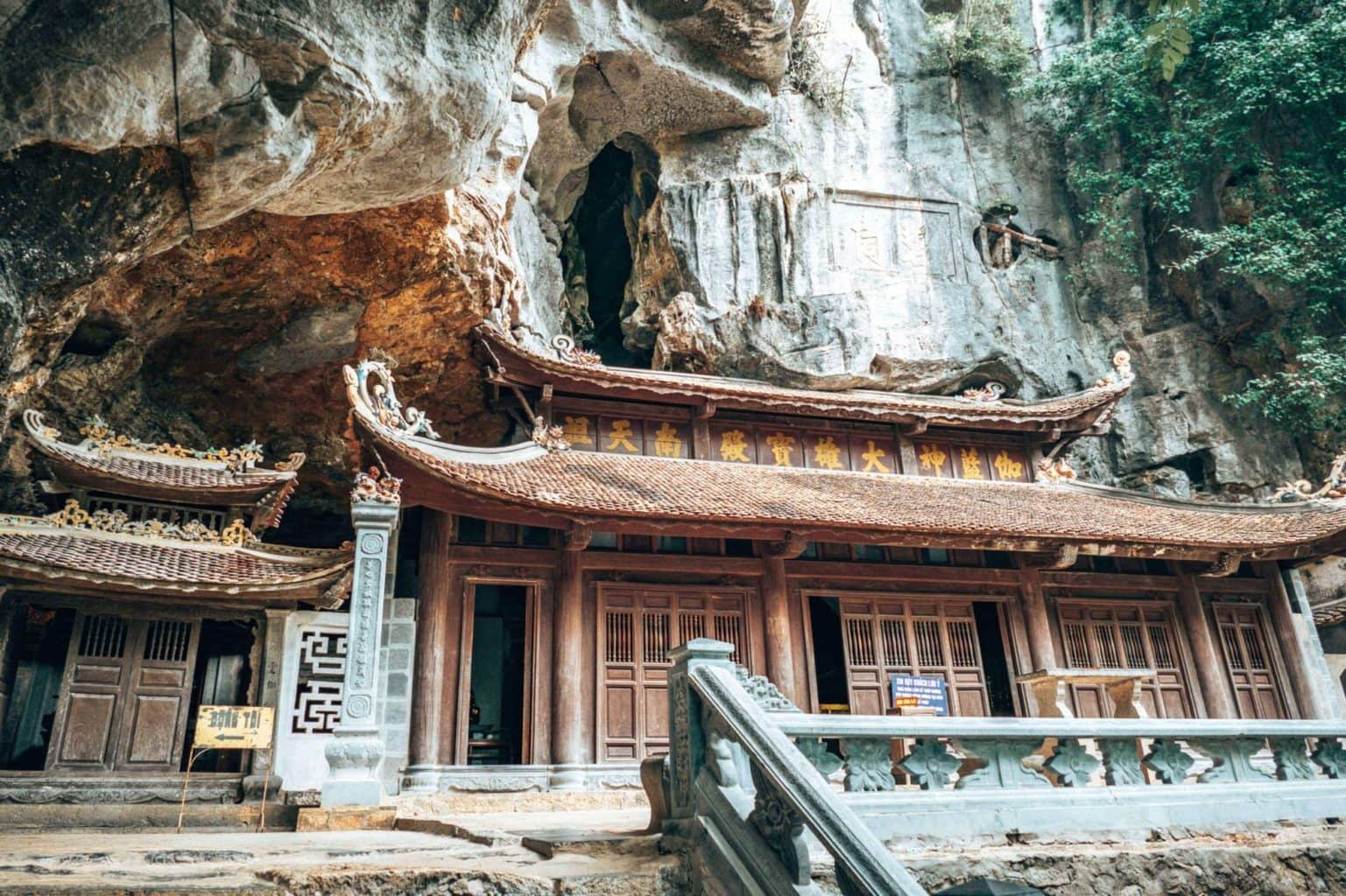 Picture of the Bich Dong temple in Tam Coc Vietnam