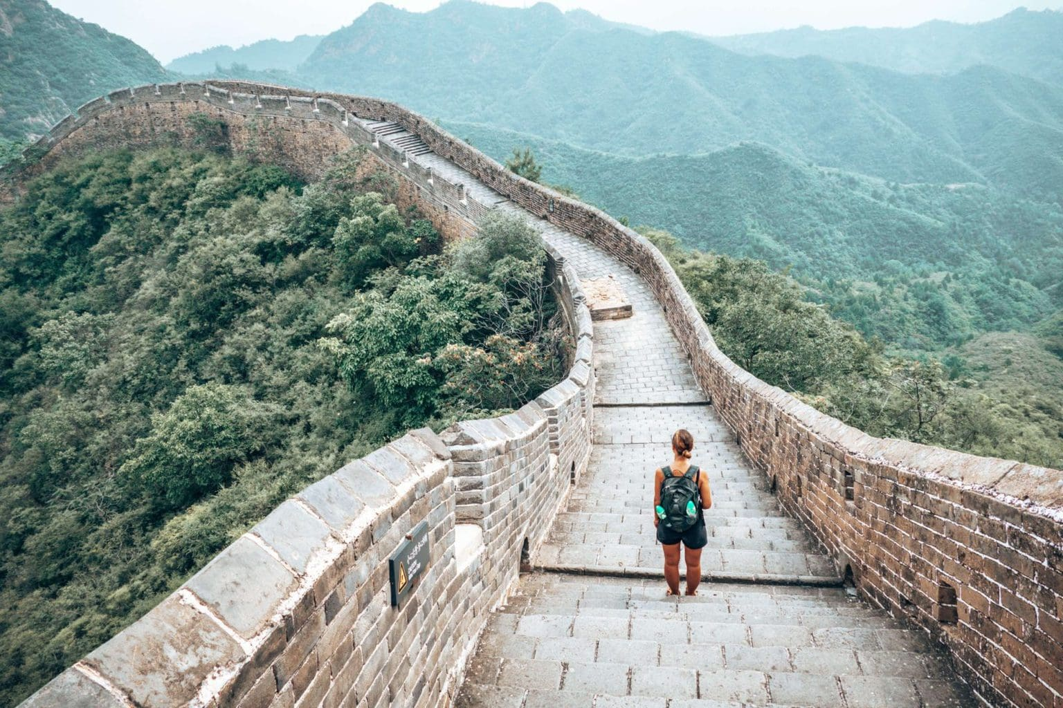 Picture of girl on the Jinshanling Great wall in China