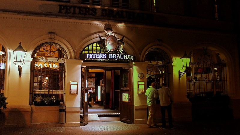 Have dinner at Peter's brauhaus
