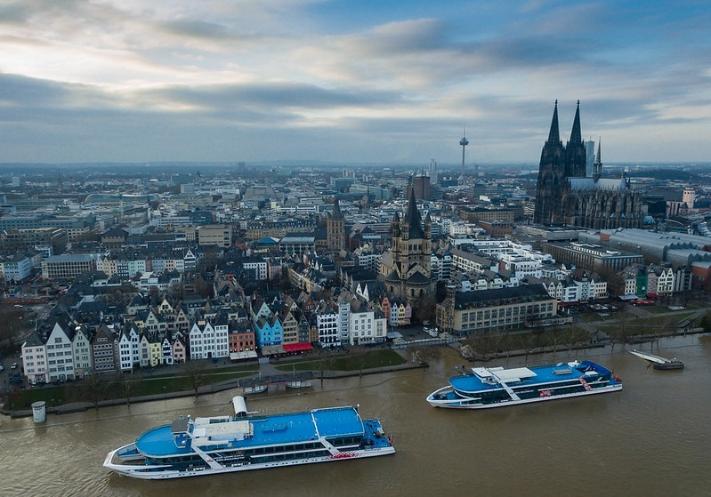 Take a Rhein cruise in Cologne in one day