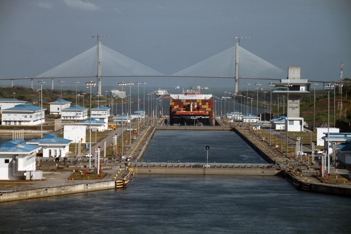 Famous Landmarks around the world - Panama Canal