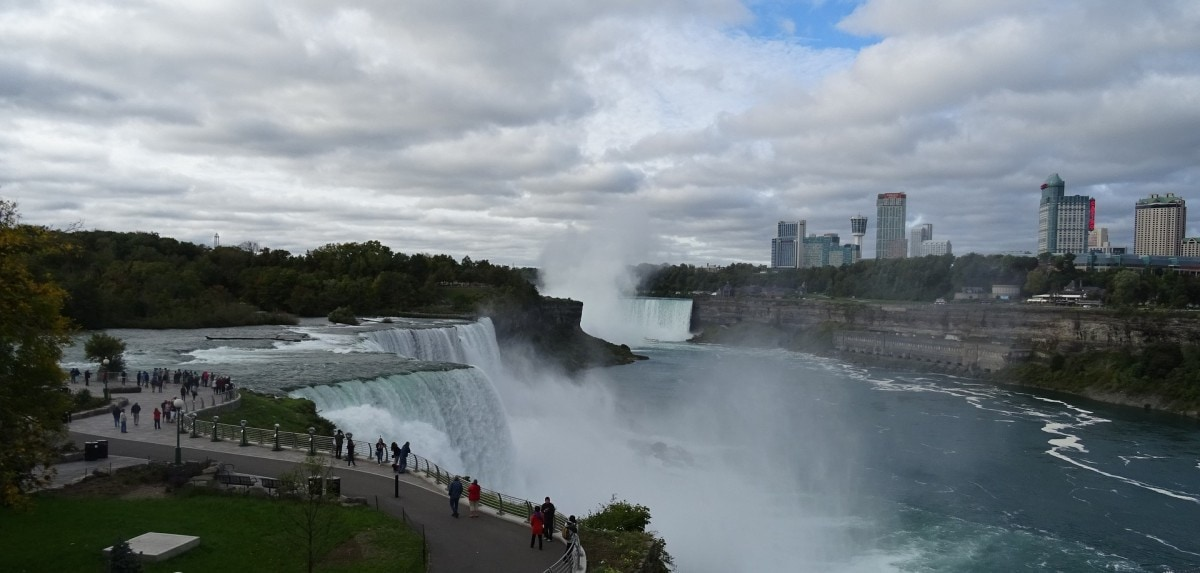 Landmarks in America - Niagara Falls, is also one of the top Canada landmarks
