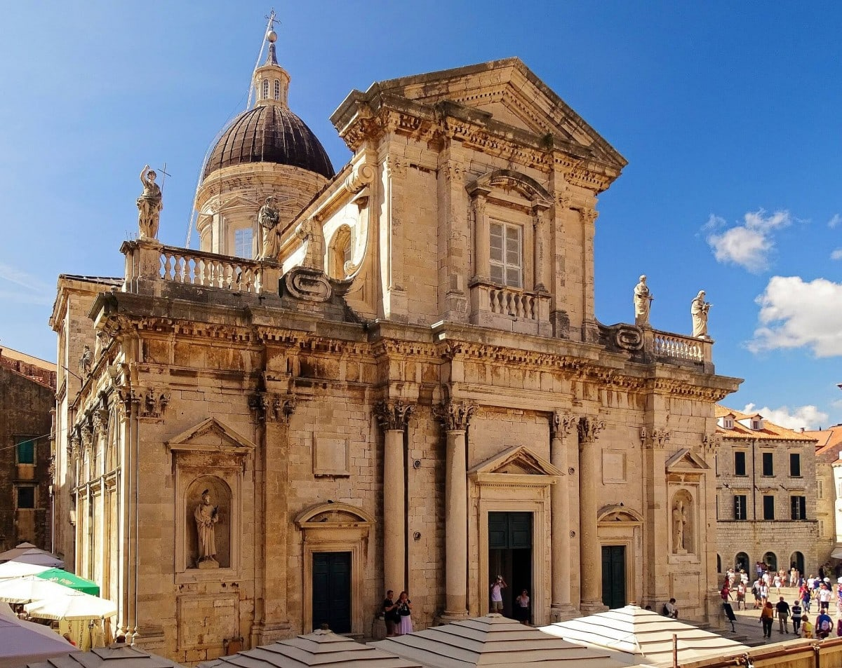 Best Croatia itinerary - spend time at the Dubrovnik Cathedral